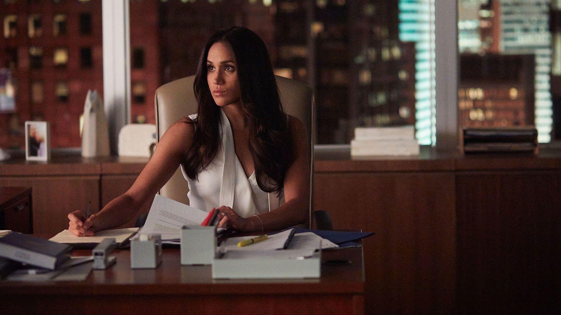 meghan markle (rachel zane) in season 7, episode 2 of sample resume letter for job application entry level financial advisor computer science skills