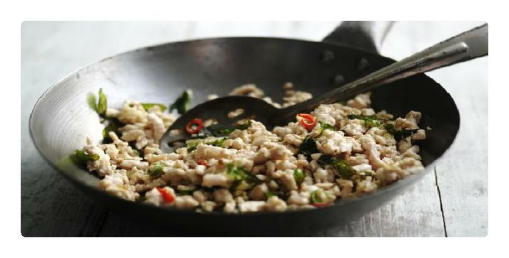 Low FODMAP Recipe - Turkey mince stir fry with basil ...