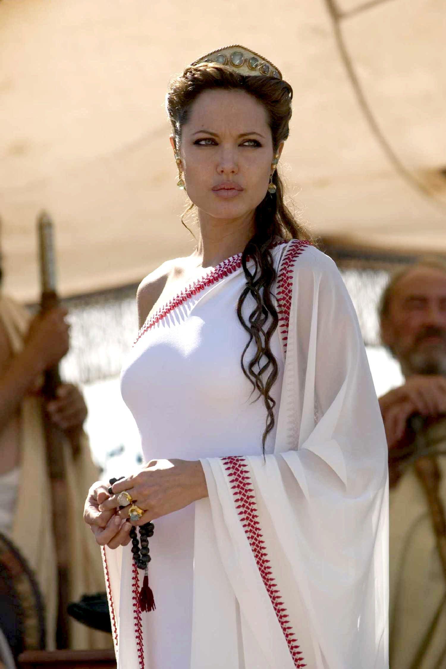 Angelina Jolie Queen Olympias
