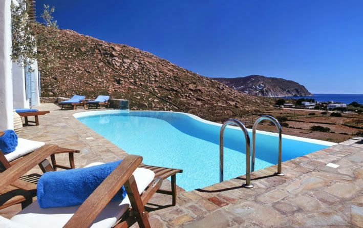 Pin By Smart Real Estate On Pool Hot Tub Luxury Retreats Pool Hot Tub Villa