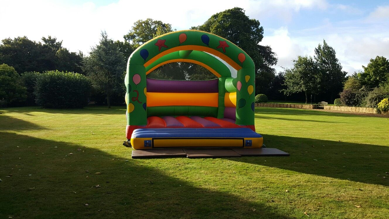 Adult bouncy castle avaliable for hire in Northampton.  Perfect for large party's and events. Size: 16ft x 17ft