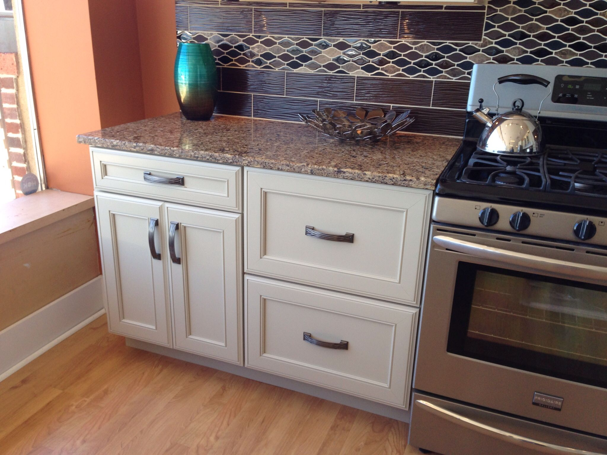 Best Kraftmaid Cabinets In Mushroom Kitchen Pinterest 400 x 300
