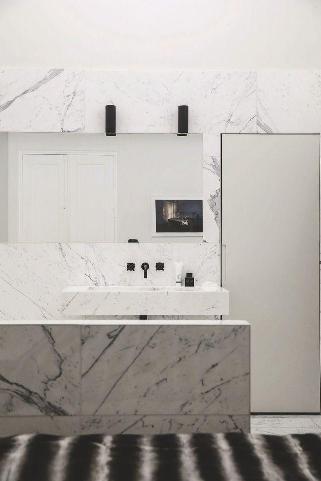 Idées déco pour salle de bains design et moderne   Marbre blanc ...