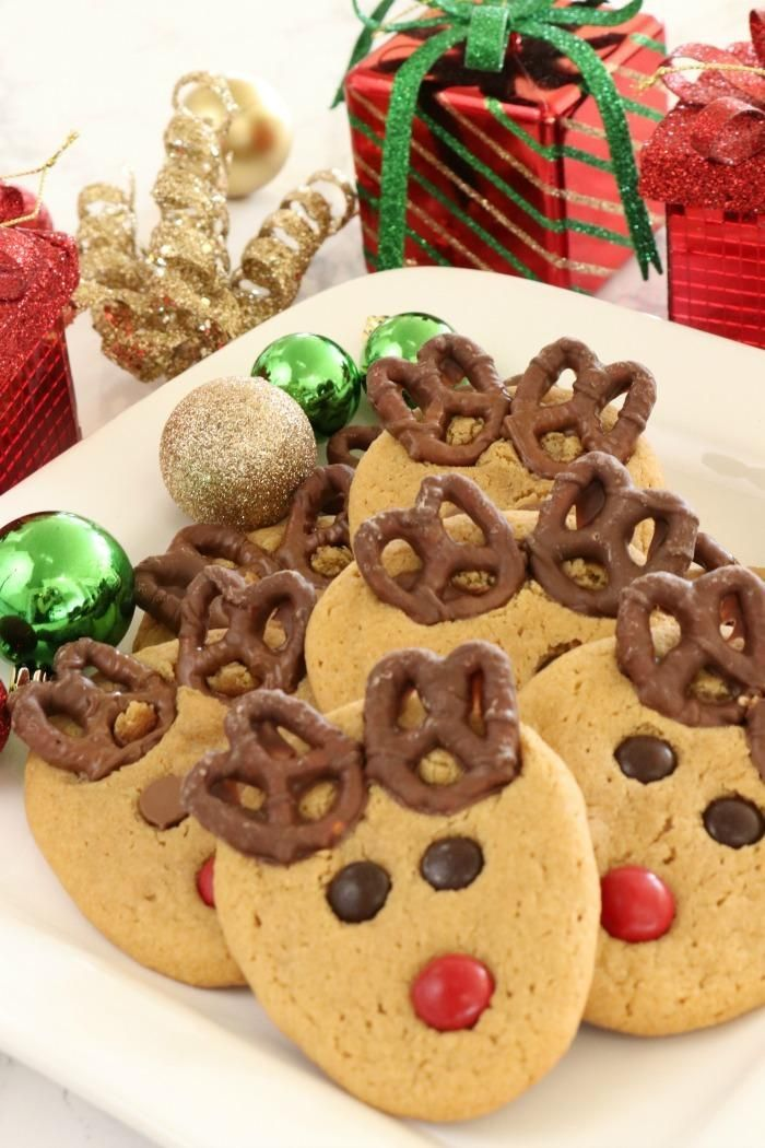 Adorable peanut butter pretzel reindeer cookies for christmas a fun adorable peanut butter pretzel reindeer cookies for christmas a fun dessert and holiday treat recipe forumfinder