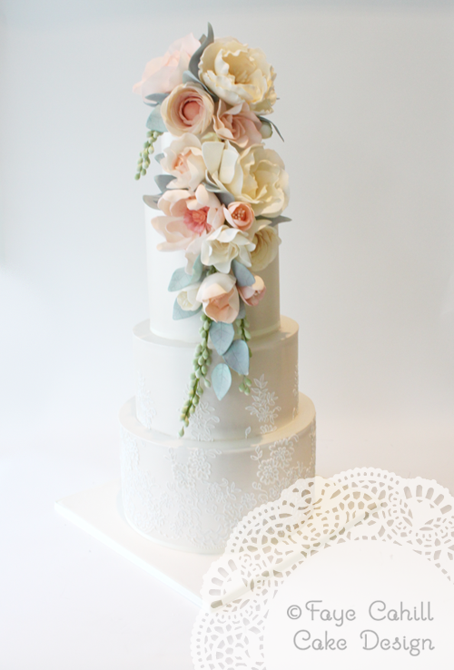 Prettiness from These Exquisite Wedding Cakes - MODwedding