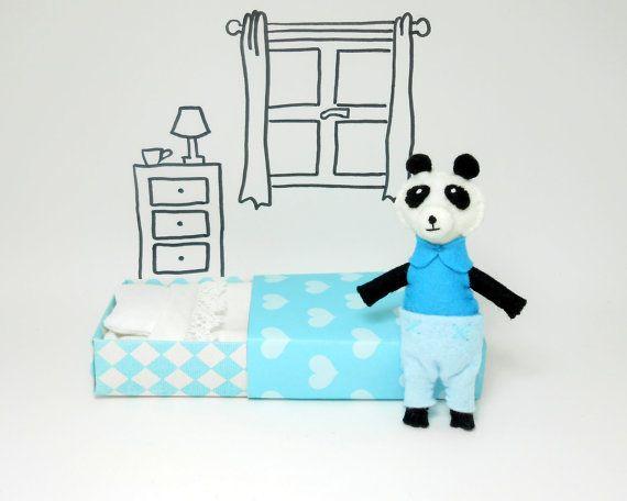Panda miniatura 9 cm. azzurro in feltro con di atelierpompadour