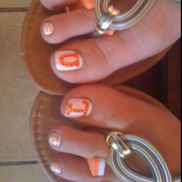 Tennessee. UT pedicure. White base then use an orange pinstriper or ...