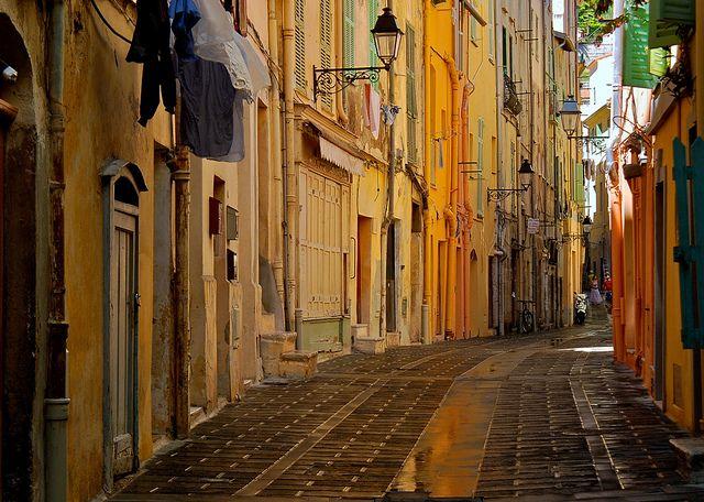 Rue des Menton, Cote d'Azur, France (by Everita).