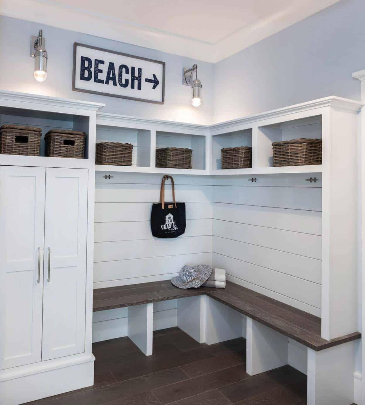 A Virginia Beach Cottage Showcases A Fresh Coastal Chic Vibe
