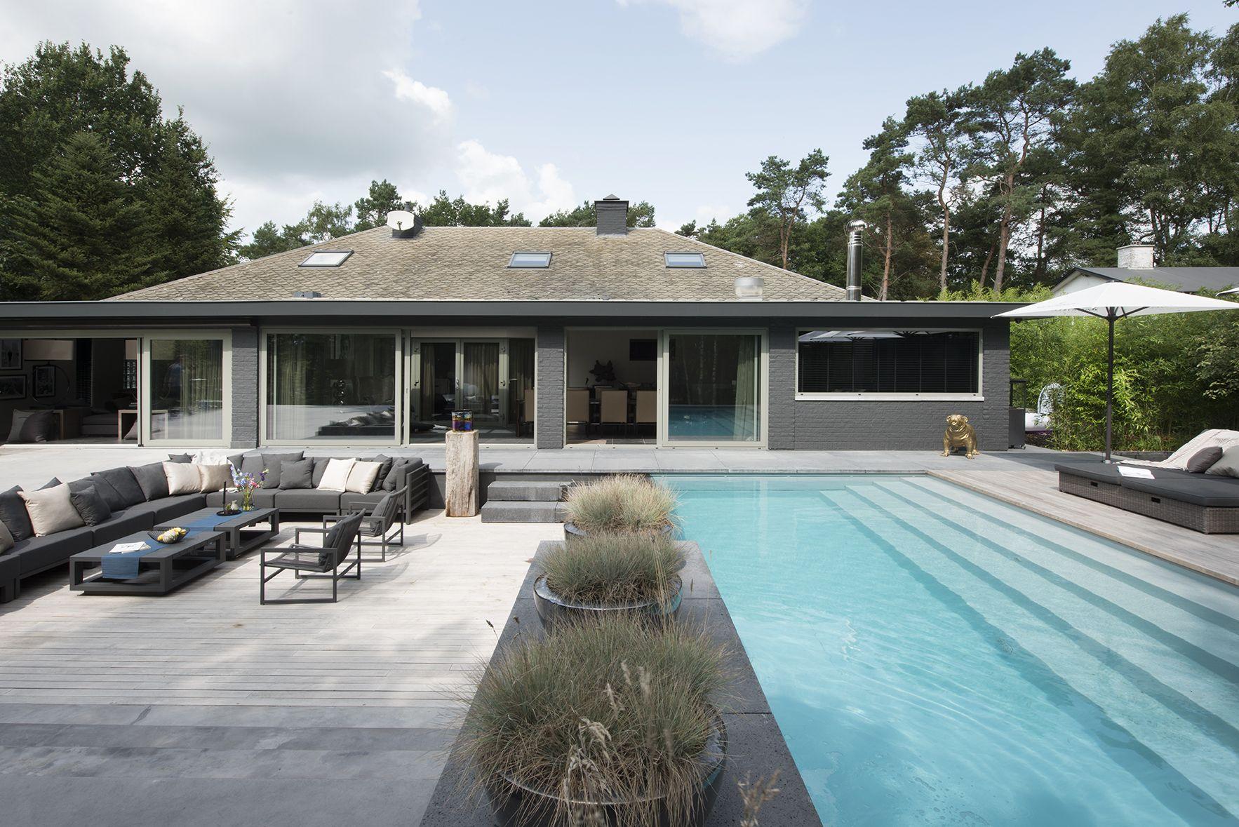 Sfeervolle tuin prachtige zwembad met fantastiscu2026 inspratie voor