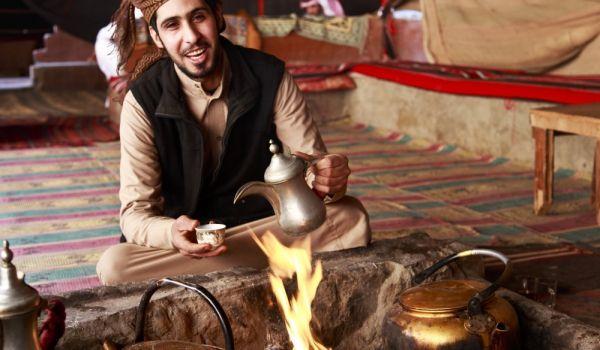 Традицията в приготвянето и поднасянето на арабско #кафе http://gotvach.bg/n5-60630