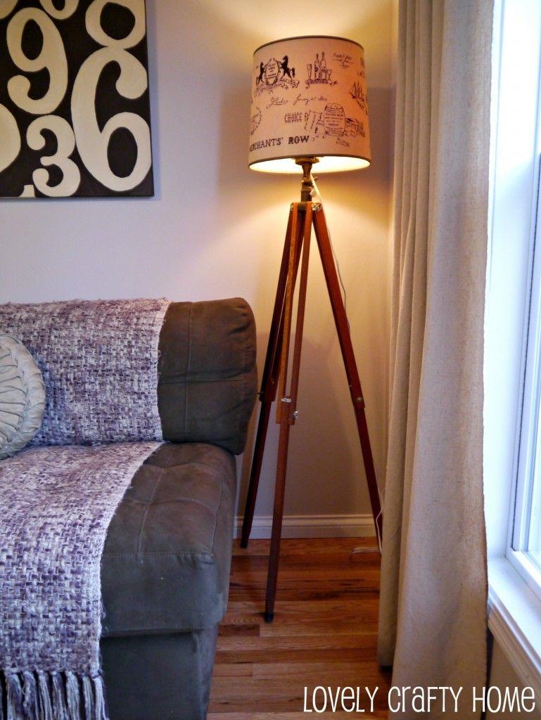 diy tripod lamp 3 wir haben auch noch ein paar staffeleien aus denen man so sch ne lampen. Black Bedroom Furniture Sets. Home Design Ideas