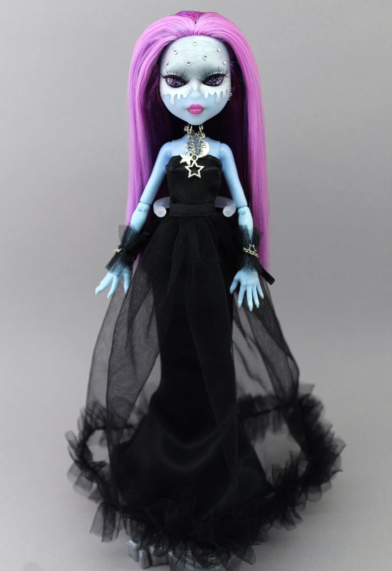 OOAK Monster High repaint doll Alien with purple hair and