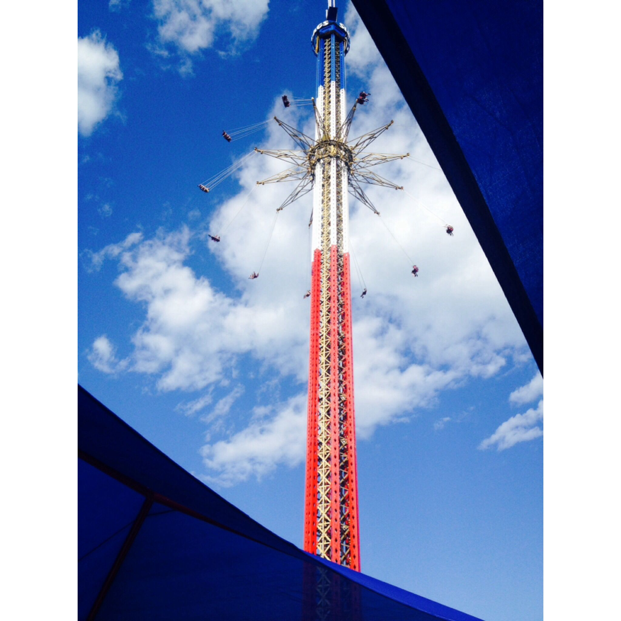 400ft Swing Ride Sky Screamer At Six Flags New England