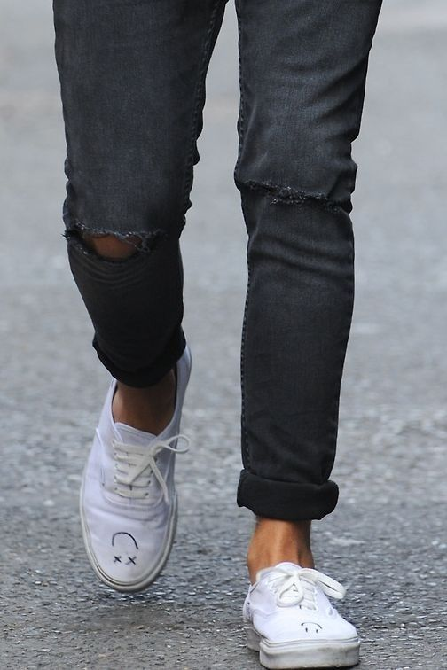 Louis Tomlinson Ripped Jeans and Vans with smileys  0be8325193