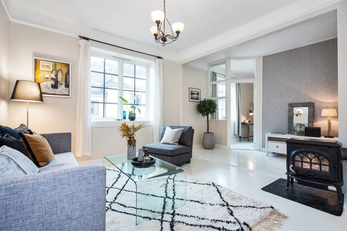 FINN – ØVRE TORSHOV -Lekker 117/107 kvm loftsleilighet o/to plan + hems beliggende i populære Søylegården -To baderom!