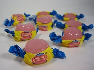 Waaaaaah?! These are sooo much better looking than the gum that comes in them!    Walk and Shoot Gum  Knox- one packet  Bubble Gum Syrup- One Part  Bubble Gum Vodka- One part  Enjoy.