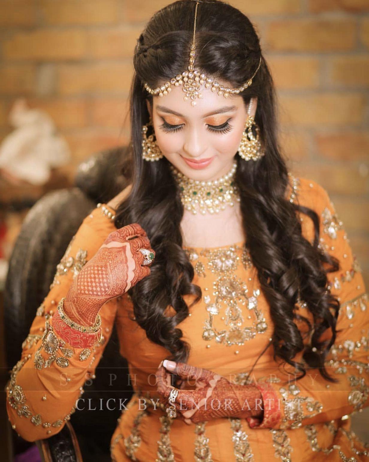 mayun / mehndi hairstyle | gorgeous n charming bridez in