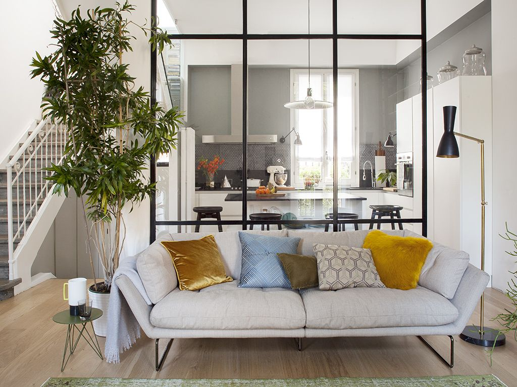 Open space: come dividere cucina e soggiorno | SHTE . Divani | Pinterest