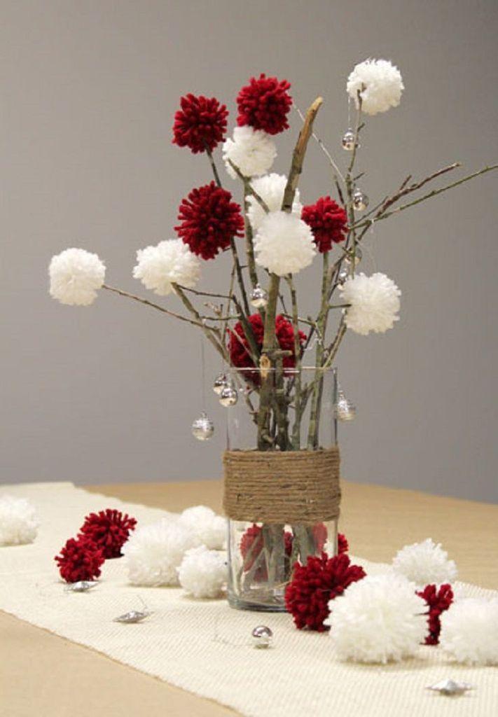 Decoration Table Noel Vase Branchage Pompons En Laine Christmas