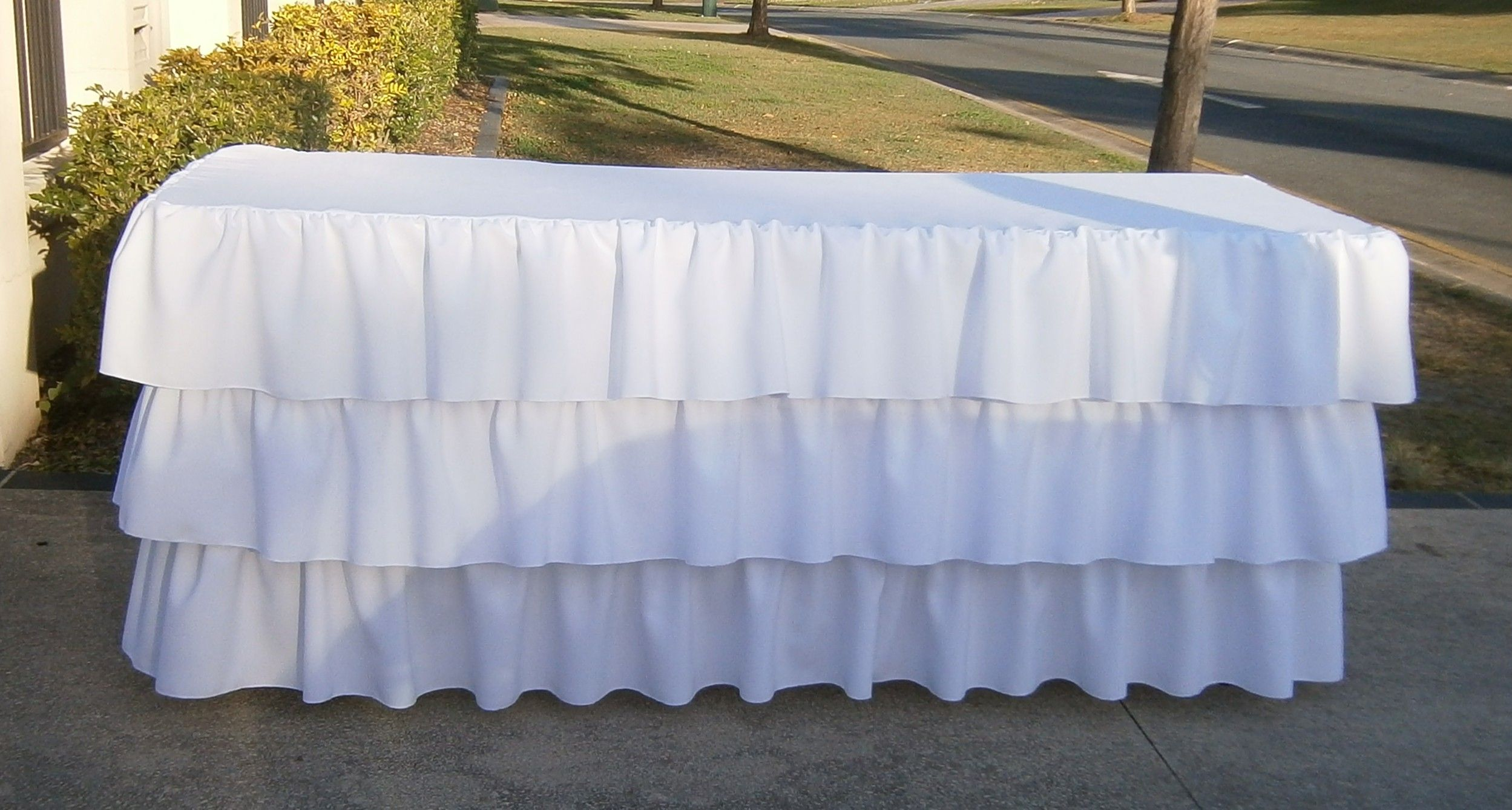 Exceptional 3 Tiered Ruffle Tablecloth   White From Www.sweetdesiresparties.com.au