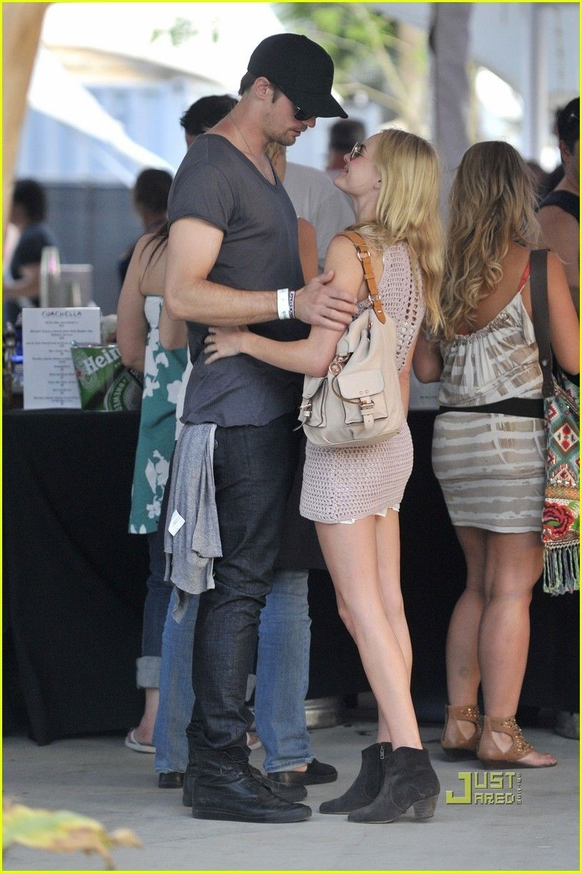 Kate bosworth and alexander skarsgard dating