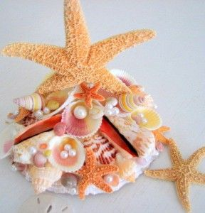Sea shell wedding topper