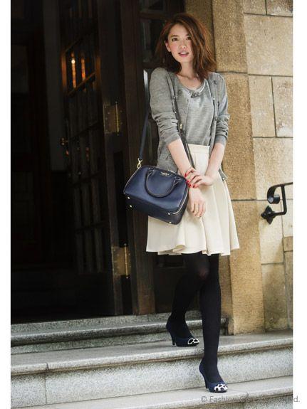 e6c70e09d1ee 画像 : アラサー女子必見♡毎日のコーデの参考に「知的カジュアル」な秋服コーデ40選 - NAVER まとめ