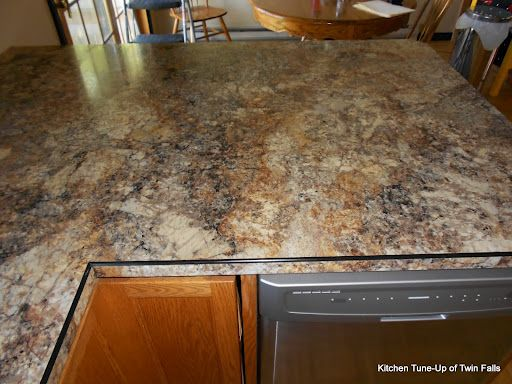 Who knew Formica countertop could resemble granite so closely!