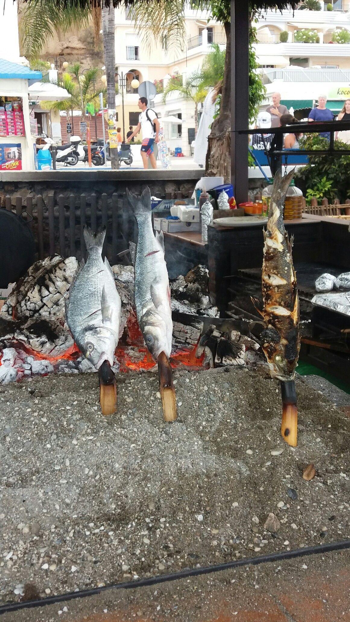 Barbeque restaurant on Burriana Beach