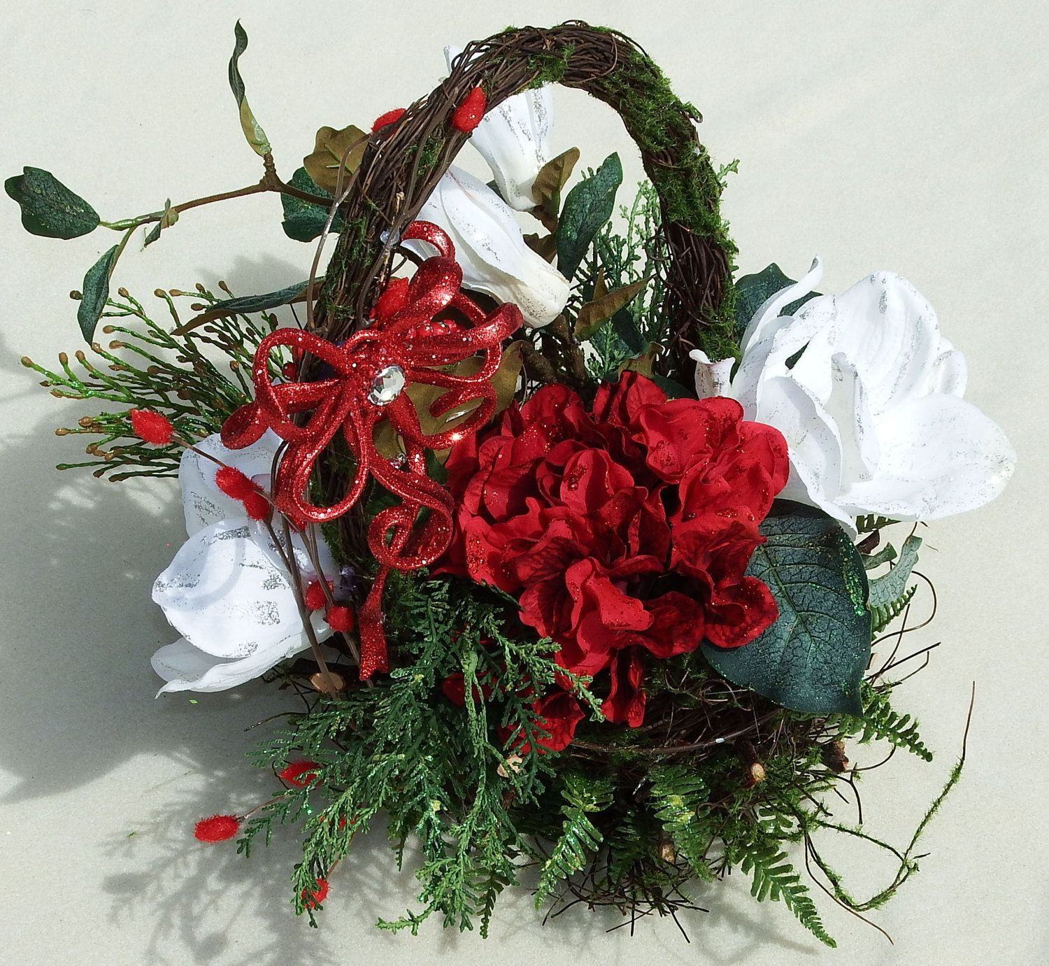 Christmas Magnolia Basket, Holiday basket, White flower basket, Evergreen basket, Gift basket, Christmas decoration, Christmas centerpiece