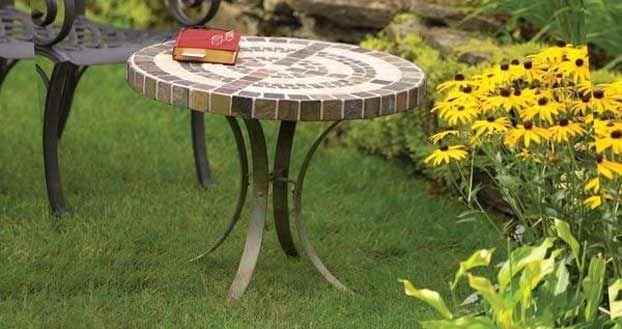 Tavoli Da Giardino Decorati.Idee Arredo Giardino Il Tavolo Da Esterno In Pietra Fai Da Te