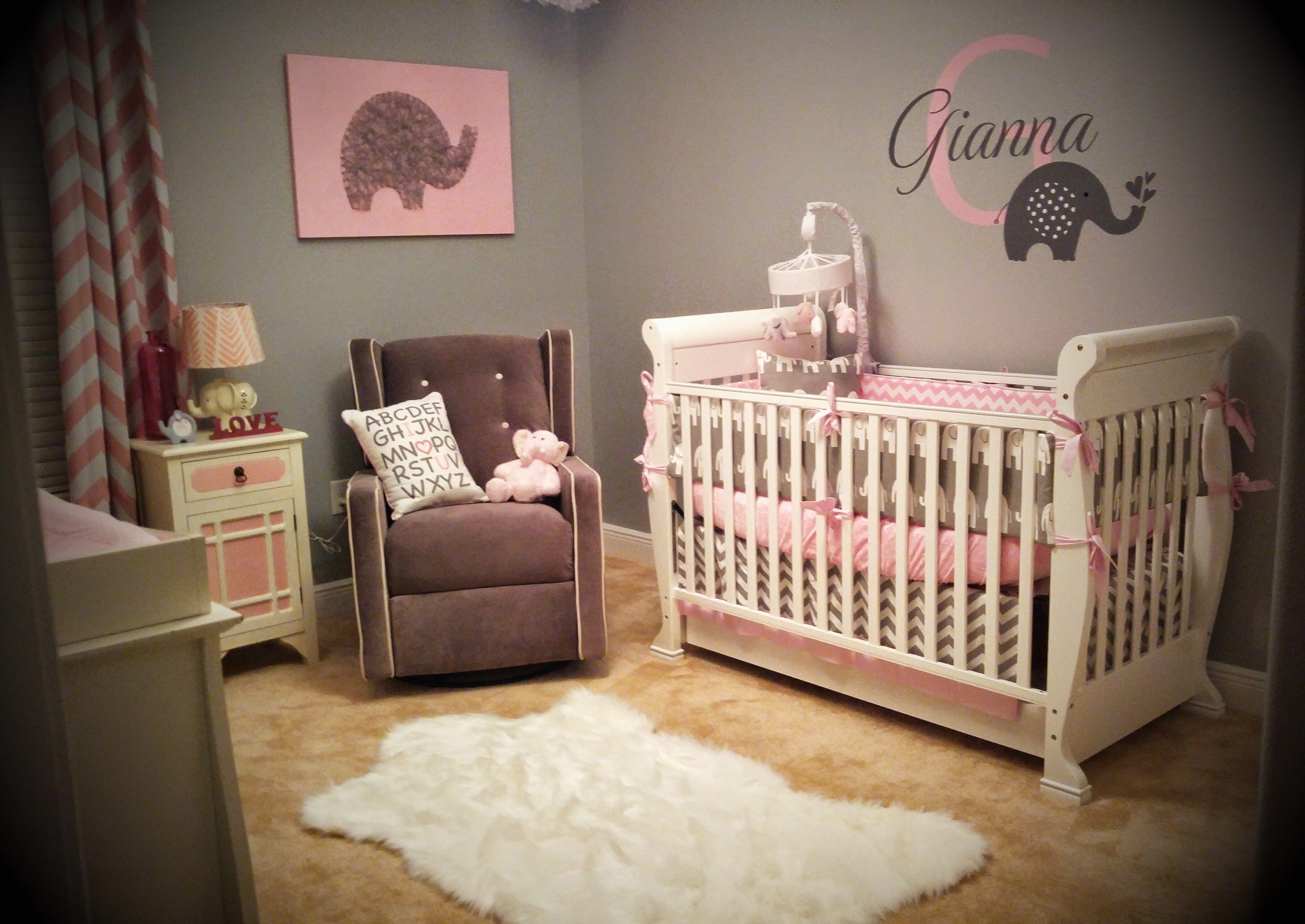 Gianna\'s Pink and Gray Elephant Nursery Reveal | Decoraciones de ...
