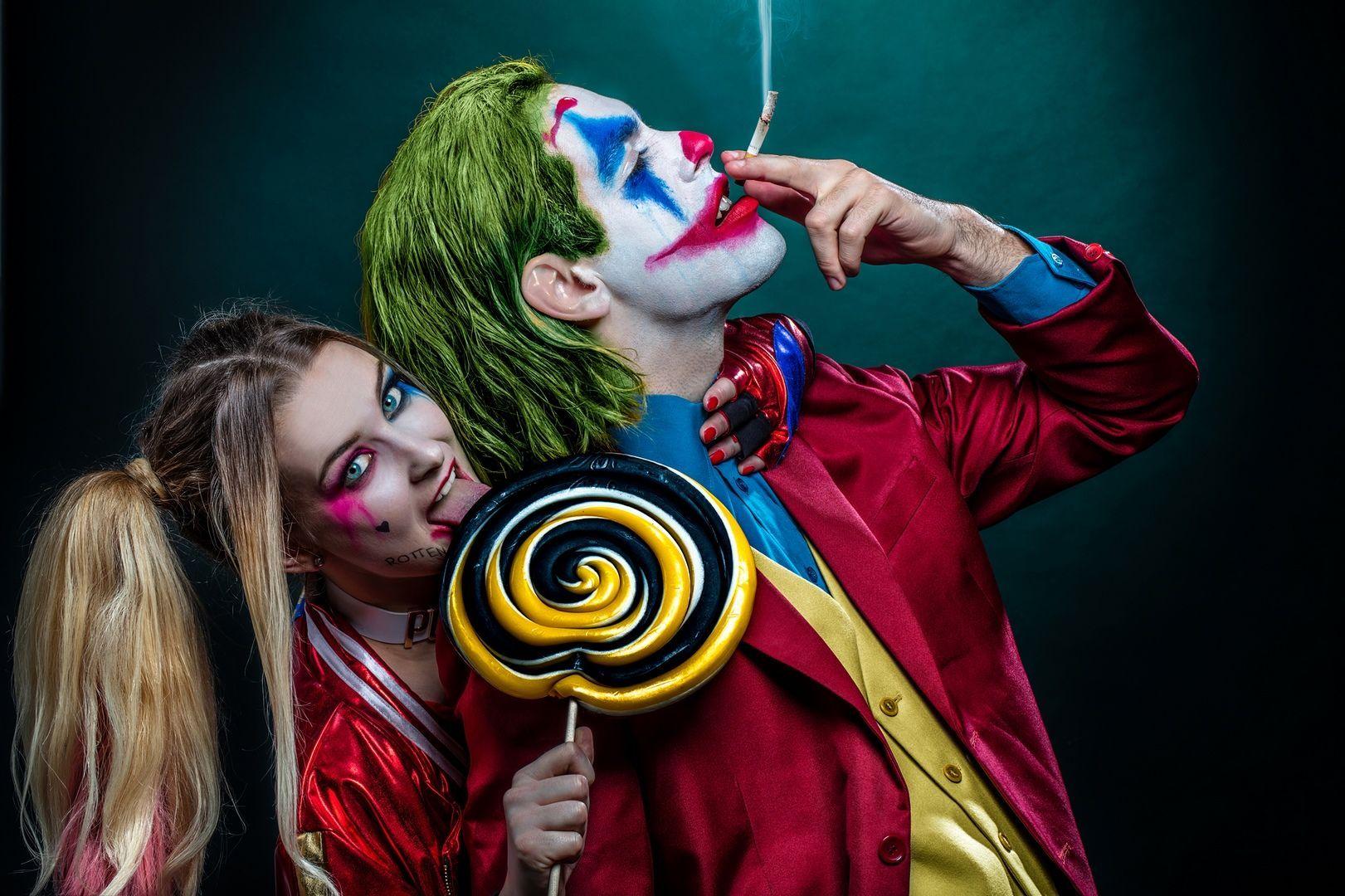 جوكر و هارلي كوين كوسبلا صور و خلفيات In 2020 Clown Halloween Costumes Couples Costumes Halloween Costumes