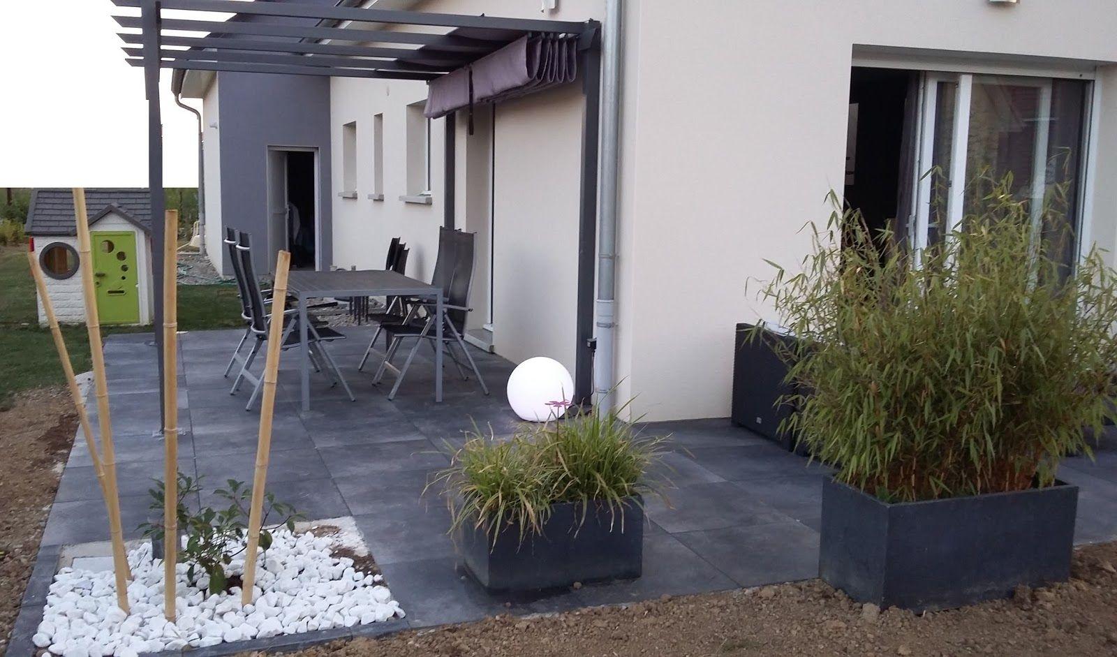 terrasse design dalles noires anthracite carrelage gr s cerame 20mm bambou salon jardin pergola. Black Bedroom Furniture Sets. Home Design Ideas