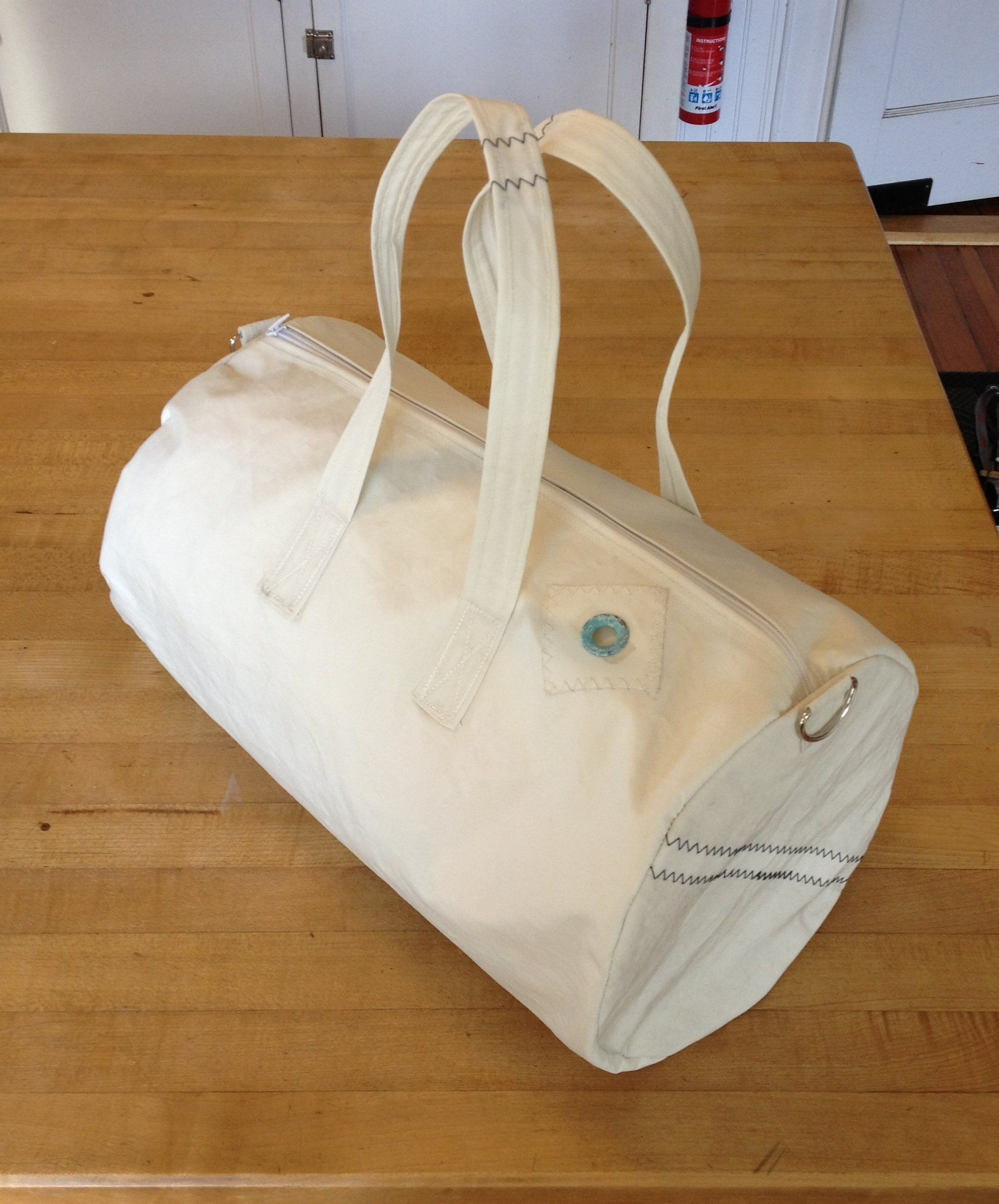 8bd1130893c The following instructable details how to build your own gym/duffel bag.  The pattern is simple, and easy to make. I chose to create my gym bag  because I had ...