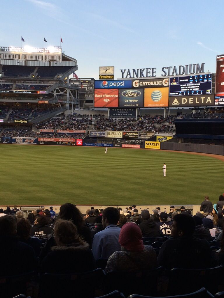 A New York Yankees Blog For Those Who Are As Passionate About Pinstripes As I Am New York Yankees Yankee Stadium Yankees