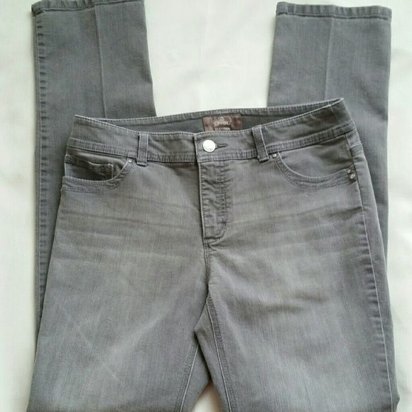 Chico's So Slimming Gray Jean's Size 0. EUC. Chico's So Slimming gray size zero skinny stretch jeans.  Rhinestone embellishments on all 4 pockets. These jeans are in great condition with no defects tears or stains, etc.  Lengthe of leg from crotch seam to bottom is 30.5 inches.The bottoms of the pant legs are in mint condition and show no wear. Smoke free pet friendly home. One day shipping. Chico's Jeans Skinny