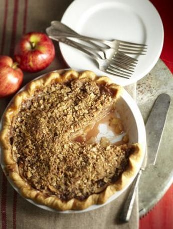 Award-winning Dutch apple pie: See why this pie won our contest at the Iowa State Fair! | Living the Country Life | http://www.livingthecountrylife.com/country-life/food/award-winning-dutch-apple-pie
