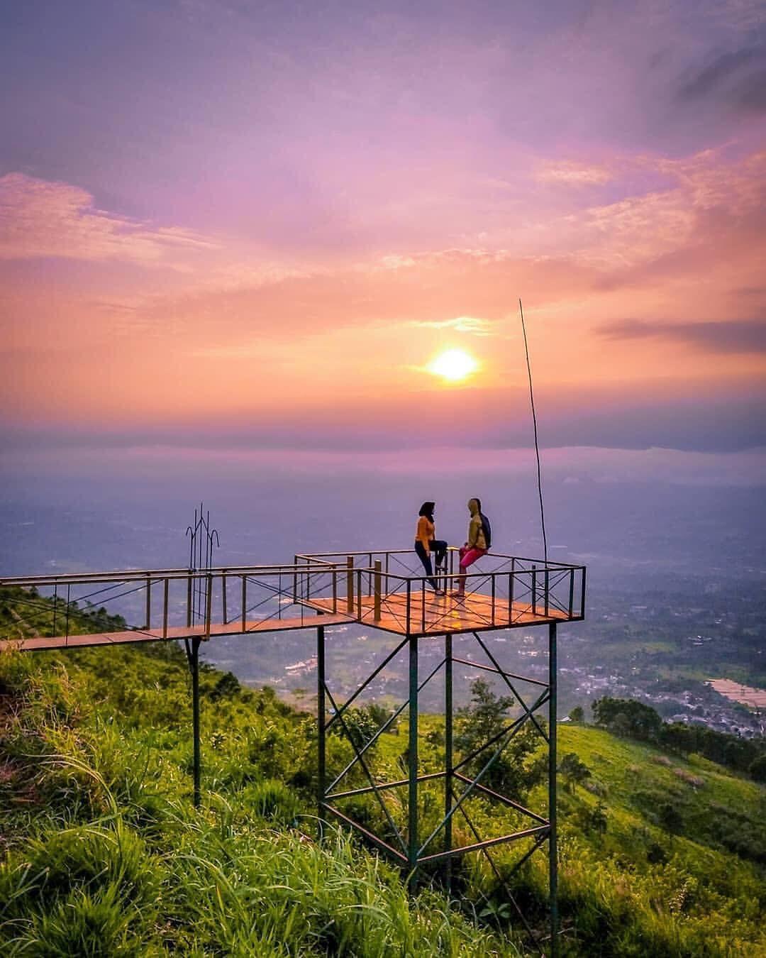 Good Night Everyone Salam Hangat Dari Bukit Alesano Bogor Referensi Foto Jem J S Inframe Tandikakelana17 Kakaris Di 2020 Pemandangan Langit Malam Langit