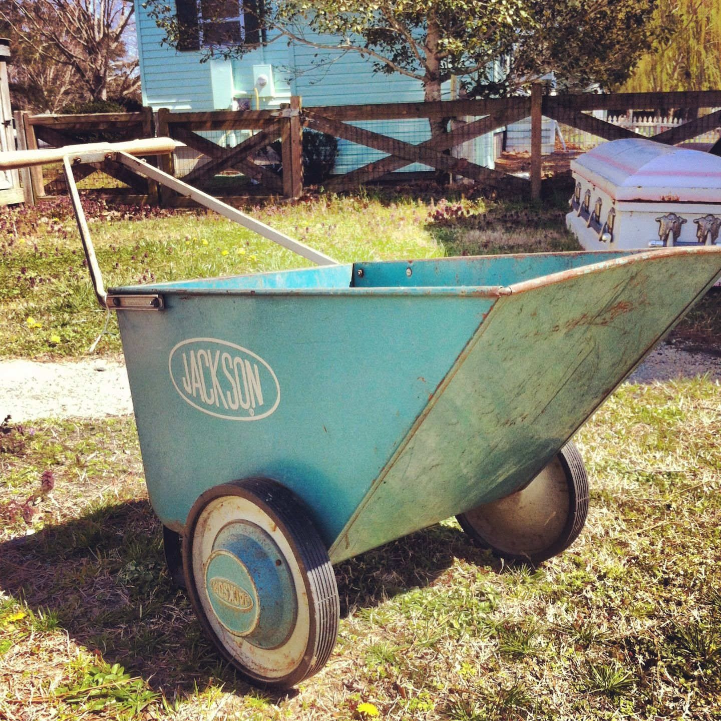 Awesome This Adorable Vintage Garden/lawn Cart. Looks Nice