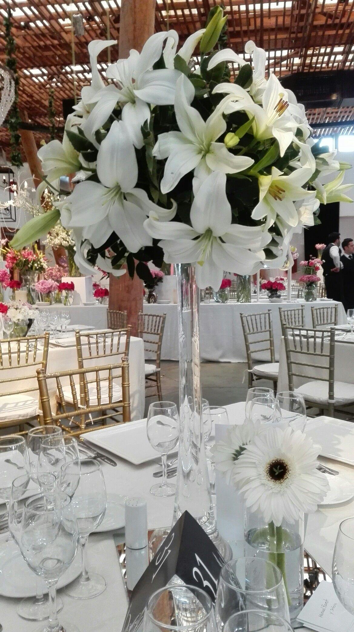 Centro De Mesa Invitados Arreglo Floral Alto Pompón De