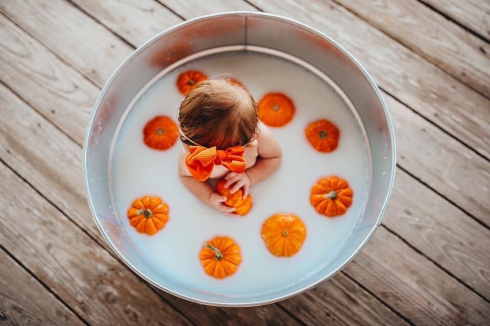 Fall Milk Bath #fallmilkbathbaby super sweet fall photo shoot idea #fallmilkbathbaby Fall Milk Bath #fallmilkbathbaby super sweet fall photo shoot idea #fallmilkbath