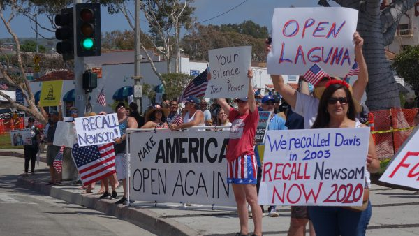 150 People Gather At Laguna Beach Protest To Open California Laguna Beach Laguna Beach Local