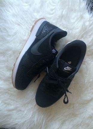 9ba8ee874df Nike internationalist premium