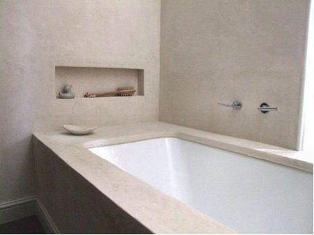 Betonstuc Badkamer Kosten : Bad en tegels in badkamer laten inpakken met betonstuc de