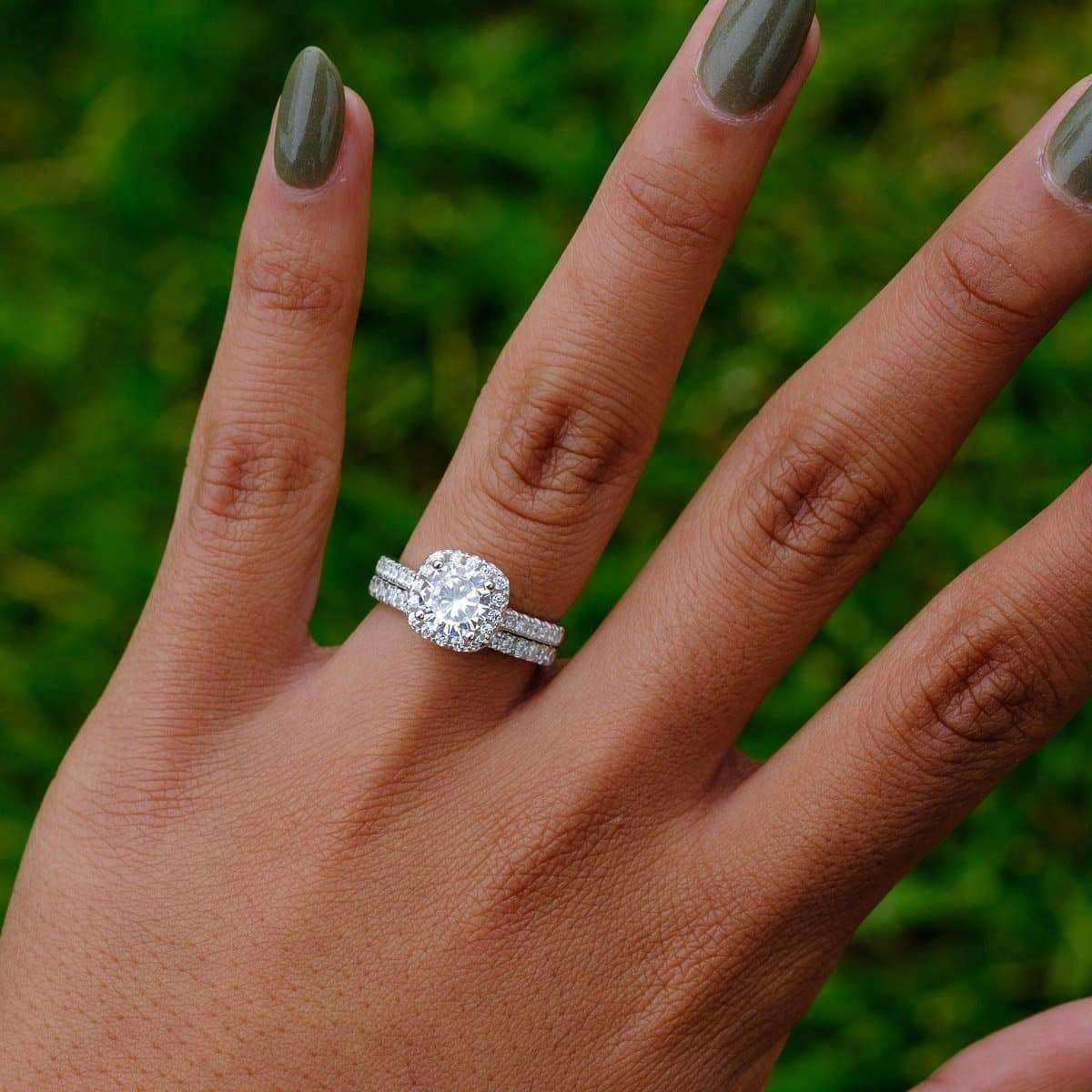 Rings In 2020 Wedding Rings Vintage Wedding Rings Round Cushion Halo Engagement Ring