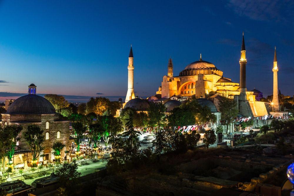 Hagia Sophia By Night Istanbul Turkey متحف آيا صوفيا اسطنبول