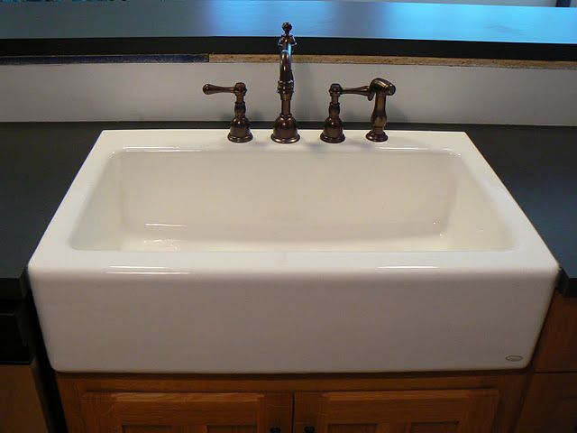 Laminate With A Farmhouse Sink With Images Faucet Design