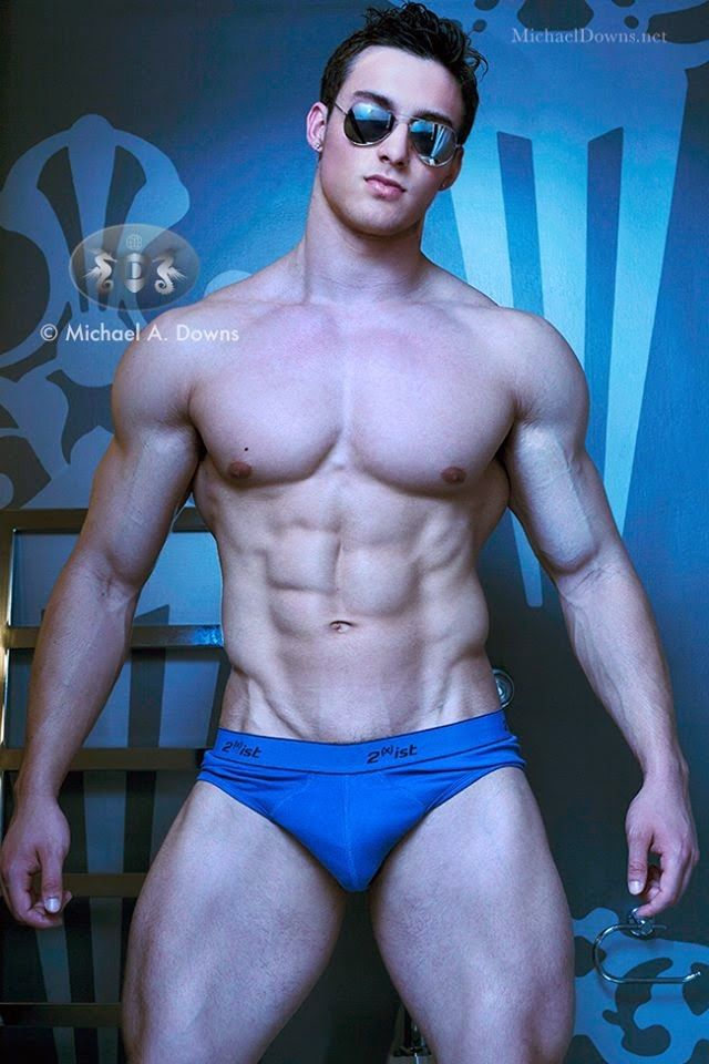 Justin Delroy - Western muscle hunk | CRUISE 2019 ...